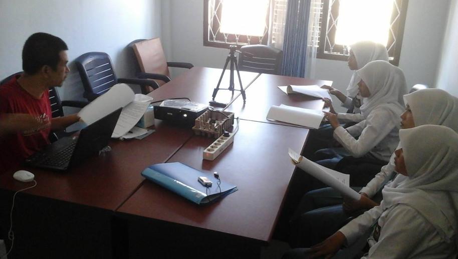 Gedhe Foundation Libatkan Siswa SMK dalam Pengembangan Sistem Komunikasi Antar Rakyat