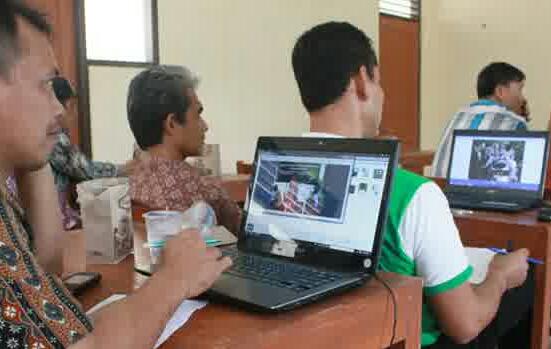 Gedhe Foundation Latih Sistem Informasi Desa di Magelang