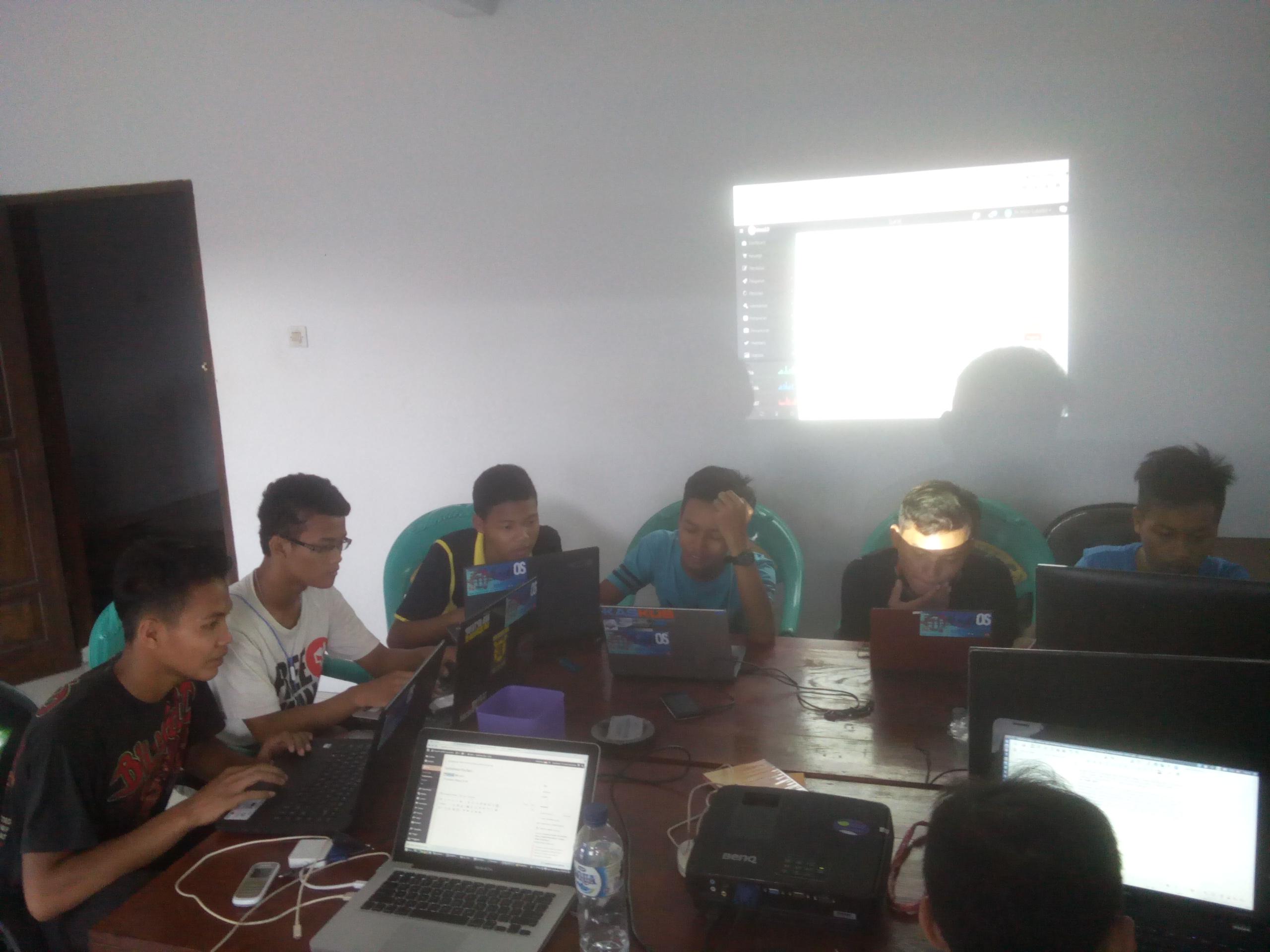 PKL SMK Tarbiyatul Islam Kawunganten ikut Kembangkan Aplikasi Desa2.0