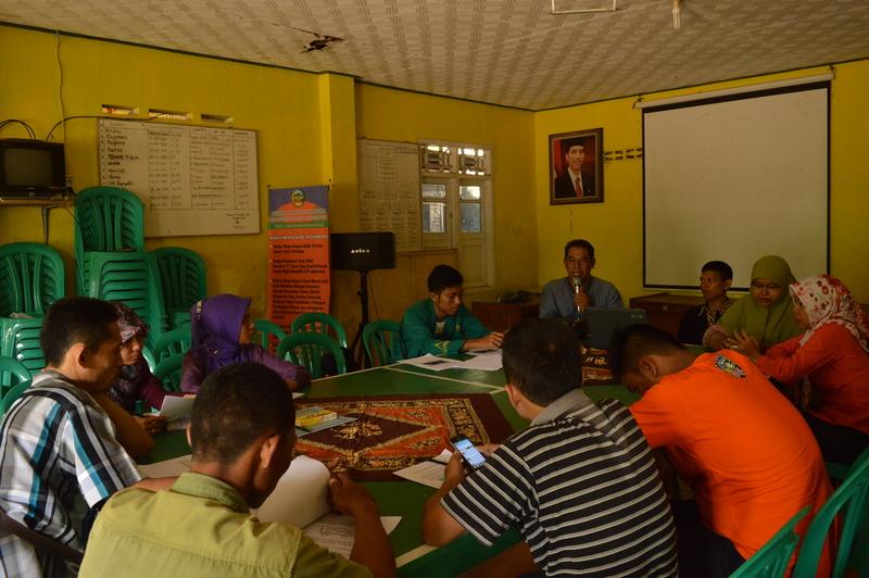 Gedhe Fasilitasi Pelatihan Menulis Berita Online Desa Srowot