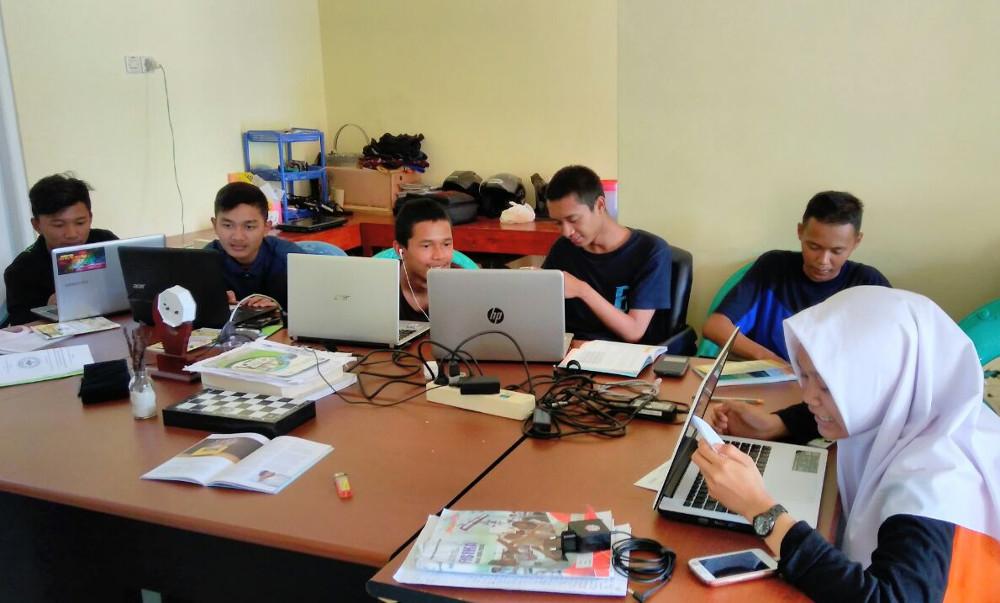 Gedhe Latih Pelajar dan Mahasiswa Bikin ILM Internet Sehat dan Produktif