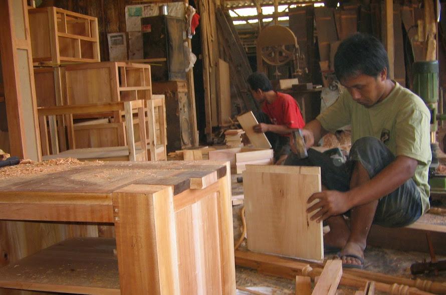 Gedhe Nusantara Kembangkan Layanan E-Commerce untuk Paguyuban Pengrajin Mebel Jepara