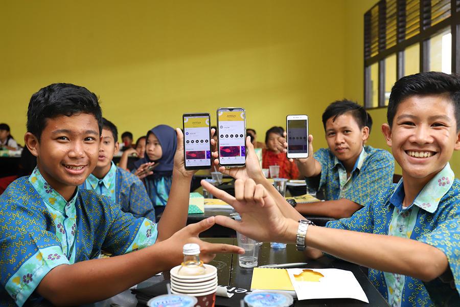 Gedhe Dukung Guru dan Siswa di Sambas Tingkatkan Prestasi Lewat Inovasi Media Pembelajaran